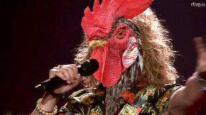 El gallo de Manel Navarro en Eurovisión se lleva la palma en lasredes